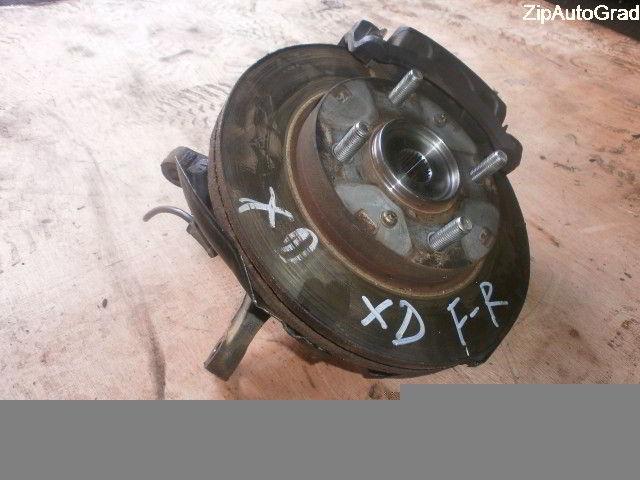 Передняя правая ступица Hyundai Elantra. Кузов: XD.
