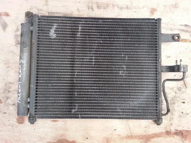 Радиатор кондиционера Hyundai Accent.
