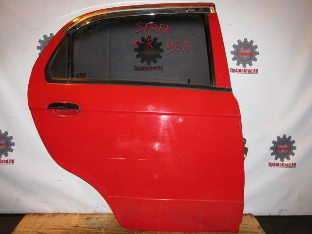 Задняя правая дверь Chevrolet Spark.