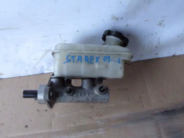Главный тормозной цилиндр Hyundai Starex. Дата выпуска: 04-07.  фото 2